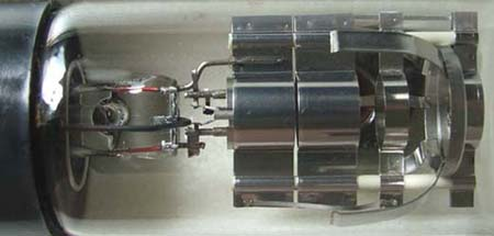 Electron diffraction gun